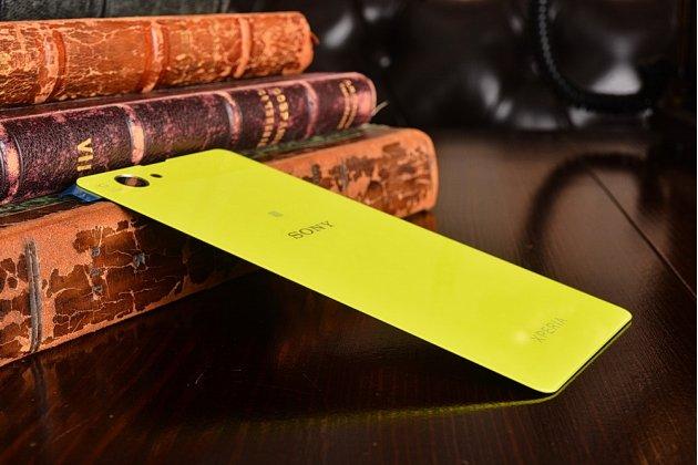 Родная оригинальная задняя крышка-панель которая шла в комплекте для Sony Xperia Z1 Compact D5503 / Z1S/M51w желто-зеленая