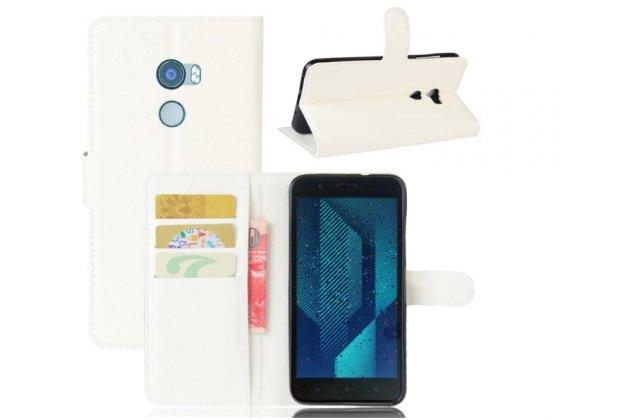 Фирменный чехол-книжка из качественной импортной кожи с мульти-подставкой застёжкой и визитницей для HTC Bolt/HTC Desire 10/ Desire 10 Lifestylle белый