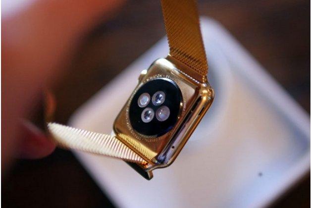 Фирменный сменный сетчатый плетёный миланский ремешок для умных смарт-часов Apple Watch 42mm из нержавеющей стали с магнитным замком-застежкой золотого цвета