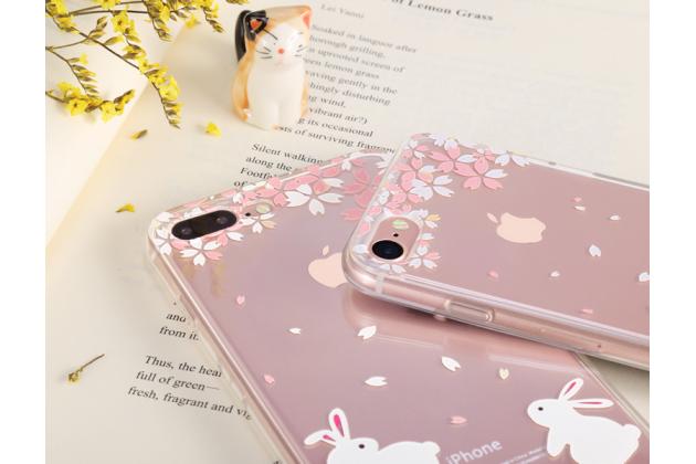 """Фирменная ультра-тонкая силиконовая задняя панель-чехол-накладка для iPhone 7 4.7""""/ iPhone 8  прозрачная с рисунком """"Яблочный дождь"""" которая огибает логотип чтобы была видна марка телефона"""