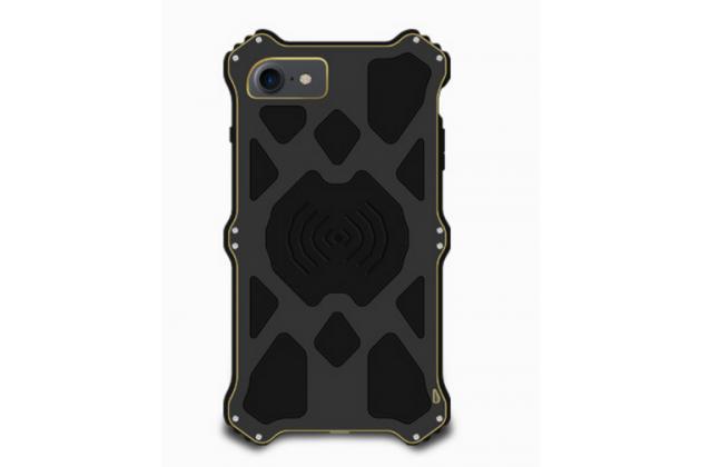 """Противоударный металлический чехол-бампер из цельного куска металла с усиленной защитой углов и необычным экстремальным дизайном с функцией беспроводной зарядки  для  iPhone 7 4.7""""/ iPhone 8 черного цвета"""