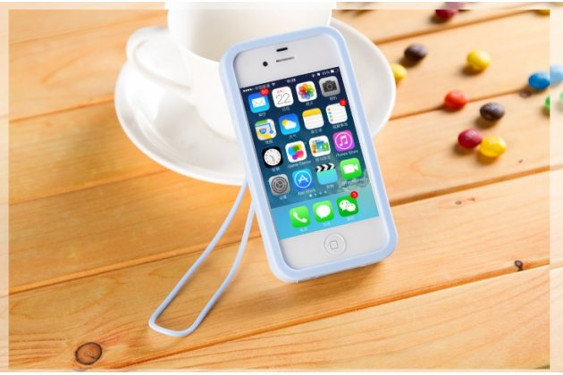 """Фирменная необычная уникальная полимерная мягкая задняя панель-чехол-накладка для iPhone 4/4S """"тематика Андроид в черничном  Шоколаде"""""""