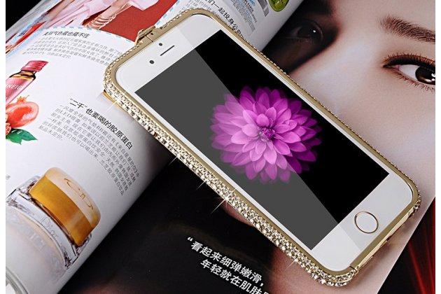 """Фирменный роскошный ультра-тонкий чехол-бампер безумно красивый декорированный кристаликами для iPhone 6 4.7"""" золотой металлический"""