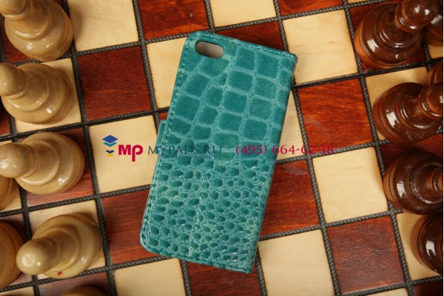 Фирменный чехол-книжка для Apple iPhone 5C лаковая кожа крокодила цвет морского бриза синий