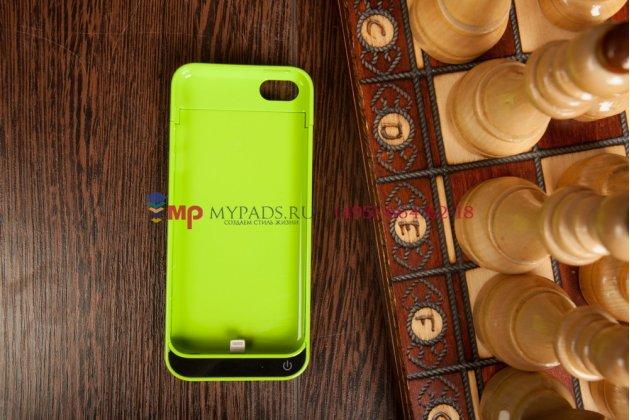 Чехол со встроенной усиленной батарей-аккумулятором большой повышенной расширенной ёмкости 2200mAh для iPhone 5C/5S/SE/ 5SE зеленый пластиковый + гарантия
