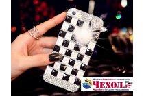 Фирменная роскошная элитная пластиковая задняя панель-накладка украшенная стразами кристалликами и декорированная элементами для iPhone 5 / 5S/ SE/ 5SE черно-белая