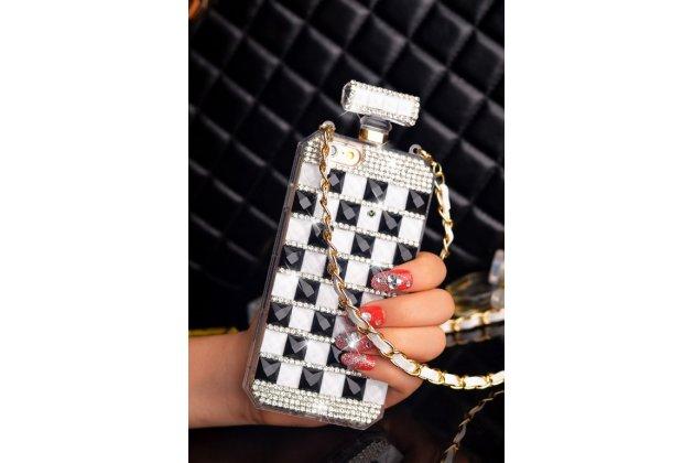 """Фирменная роскошная элитная силиконовая задняя панель-накладка-сумка украшенная стразами кристалликами и декорированная элементами в форме флакона духов для iPhone 6+ Plus 5.5"""" черно-белая"""