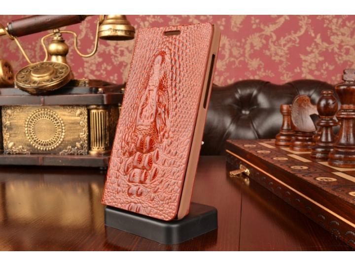 Фирменный роскошный эксклюзивный чехол с объёмным 3D изображением кожи крокодила коричневый для ASUS Zenfone 5..