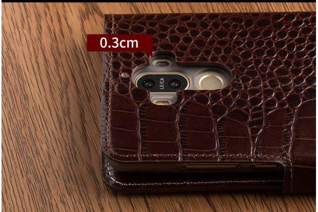 Фирменный чехол-книжка с подставкой для ASUS Zenfone 3 ZE552KL 5.5 (Z012DA / Z012DE) лаковая кожа крокодила коричневого цвета