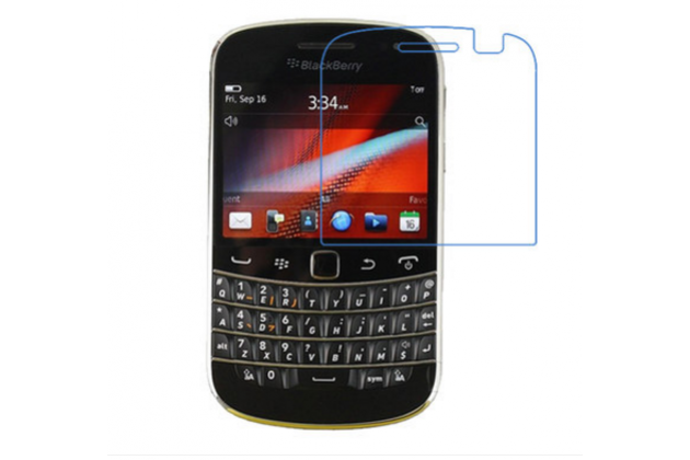 Фирменное защитное закалённое противоударное стекло премиум-класса из качественного японского материала с олеофобным покрытием для телефона BlackBerry Bolt 9900