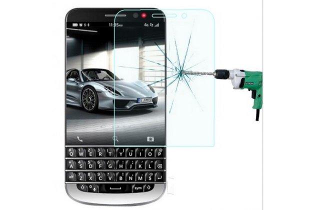 Фирменное защитное закалённое противоударное стекло премиум-класса из качественного японского материала с олеофобным покрытием для BlackBerry Q20 Classic