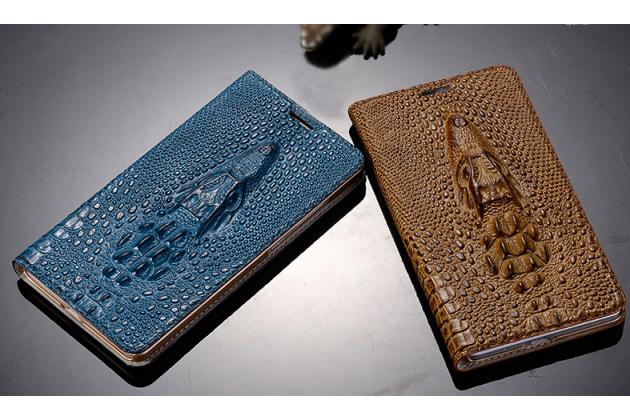Фирменный роскошный эксклюзивный чехол с объёмным 3D изображением кожи крокодила коричневый для Blackberry Z30. Только в нашем магазине. Количество ограничено
