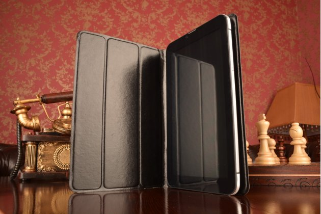 Чехол с вырезом под камеру для планшета Archos 101 Magnus Plus с дизайном Smart Cover ультратонкий и лёгкий. цвет в ассортименте