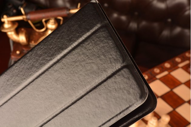 Чехол с вырезом под камеру для планшета всё для 3Q Qoo Q-pad QS0815C 512Mb DDR3 4Gb eMMC 3G с дизайном Smart Cover ультратонкий и лёгкий. цвет в ассортименте