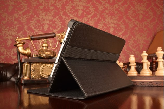 Чехол-обложка для планшета TeXet TM-7046 3G с регулируемой подставкой и креплением на уголки