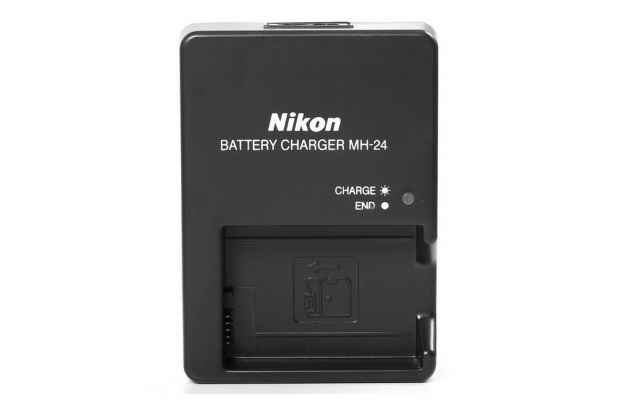 Фирменное зарядное устройство от сети для фотоаппарата Nikon MH-24 P7100 / P7000 / D5100 / D3100 / D3200 + гарантия