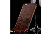 Фирменный роскошный эксклюзивный чехол с объёмным 3D изображением рельефа кожи крокодила коричневый для BlackBerry Z3 . Только в нашем магазине. Количество ограничено