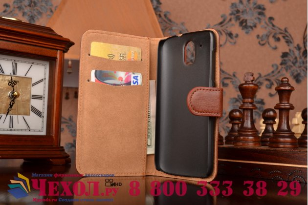 Фирменный чехол-книжка из качественной импортной кожи с мульти-подставкой застёжкой и визитницей для HTC Desire 326G Dual Sim коричневый