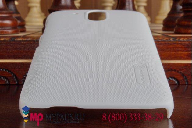 Фирменная задняя панель-крышка-накладка из тончайшего и прочного пластика для HTC Desire 526/ 526 Dual Sim/ 526 G+ белая