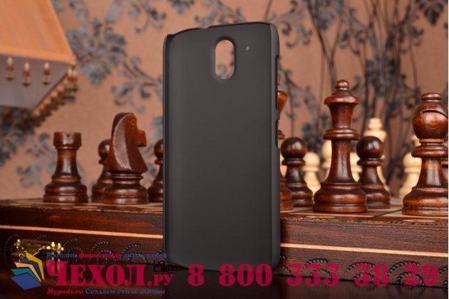 Фирменная задняя панель-крышка-накладка из тончайшего и прочного пластика для HTC Desire 526/ 526 Dual Sim/ 526 G+ черная