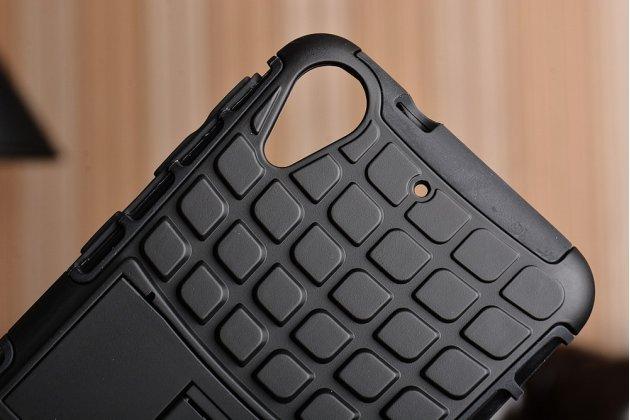 Противоударный усиленный ударопрочный фирменный чехол-бампер-пенал для HTC Desire 650 черный