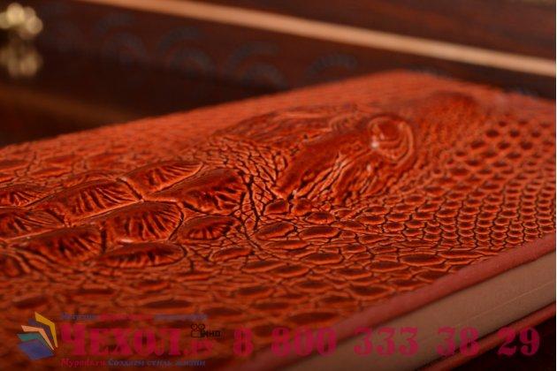 Фирменный роскошный эксклюзивный чехол с объёмным 3D изображением кожи крокодила коричневый для HTC Desire 816 Dual Sim. Только в нашем магазине. Количество ограничено