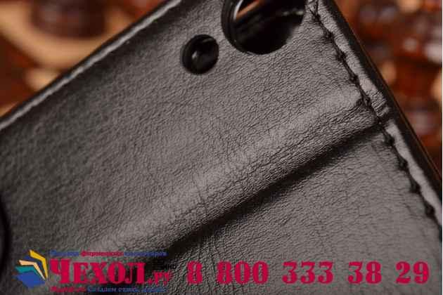 Фирменный чехол-книжка из качественной импортной кожи с подставкой застёжкой и визитницей для НТС Дезайр 820 Дуал Сим черный