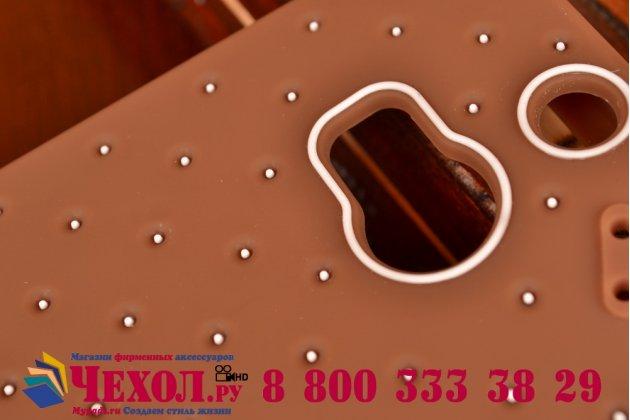 """Фирменная необычная уникальная полимерная мягкая задняя панель-чехол-накладка для HTC One M8/M8s/(M8) EYE """"тематика Андроид в тёмном Шоколаде"""""""