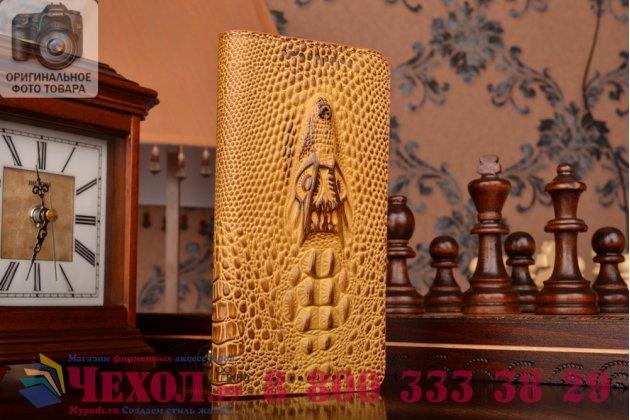 Фирменный роскошный эксклюзивный чехол с объёмным 3D изображением кожи крокодила коричневый для HTC One M9 Plus . Только в нашем магазине. Количество ограничено