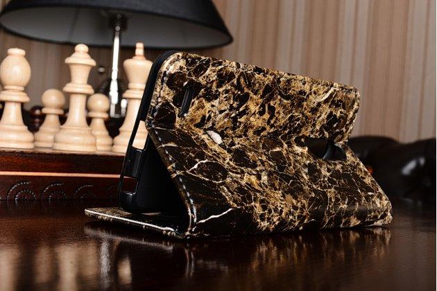 Фирменный чехол-книжка из качественной импортной кожи с подставкой застёжкой и визитницей для LG Stylus 3 M400DY 5.7 с рисунком под мрамор чёрного цвета