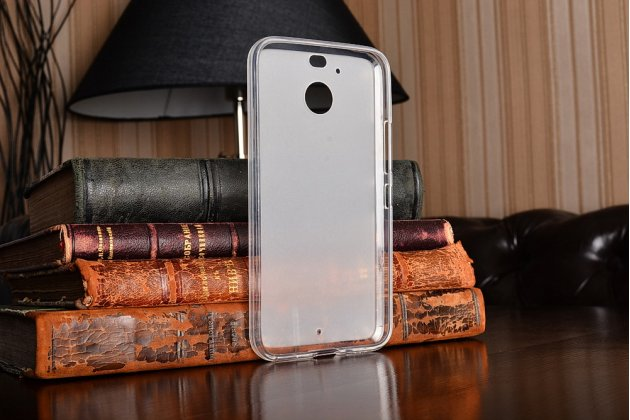Фирменная ультра-тонкая полимерная из мягкого качественного силикона задняя панель-чехол-накладка для HTC 10 evo белая