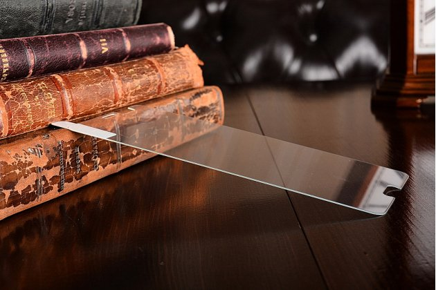 Фирменное защитное закалённое противоударное стекло премиум-класса из качественного японского материала с олеофобным покрытием для телефона HTC U11