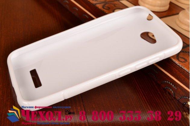 Фирменная ультра-тонкая полимерная из мягкого качественного силикона задняя панель-чехол-накладка для HTC Desire 616 Dual sim белая