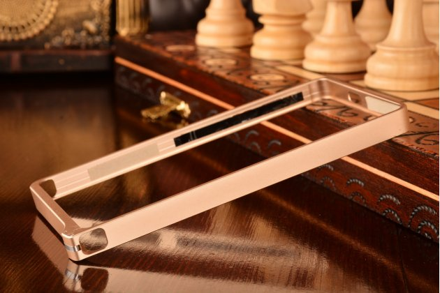 Фирменный оригинальный ультра-тонкий чехол-бампер для Huawei Ascend P7 Mini золотой металлический