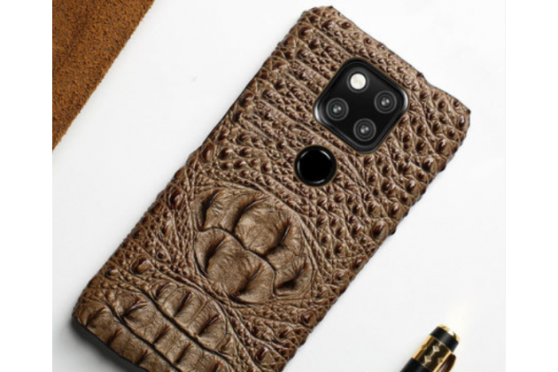 Фирменная роскошная эксклюзивная накладка с объёмным 3D изображением рельефа кожи крокодила коричневая для Huawei Mate 20 6.53. Только в нашем магазине. Количество ограничено