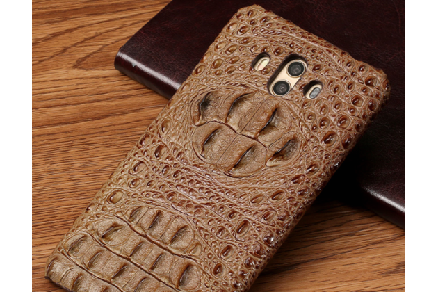 Фирменная роскошная эксклюзивная накладка с объёмным 3D изображением рельефа кожи крокодила коричневая для Huawei Mate 20 Pro / Mate 20 RS 6.39. Только в нашем магазине. Количество ограничено