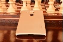 """Фирменная задняя панель-крышка-накладка из тончайшего и прочного пластика для  Huawei Mate 8 (NXT-AL1) 6.0""""  золотая"""