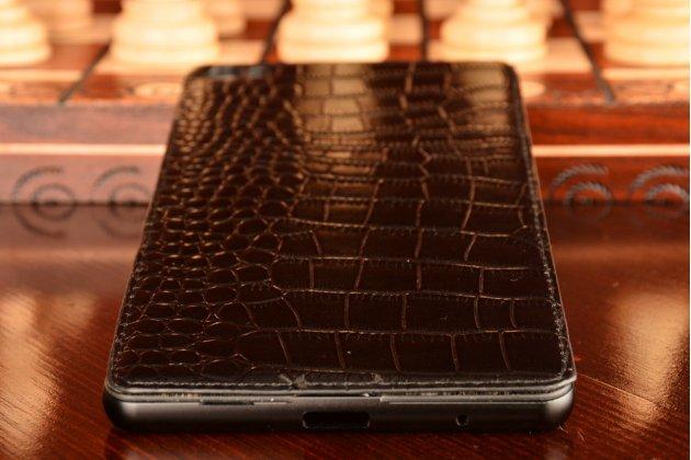 Элитная задняя панель-крышка премиум-класса на металлической основе обтянутой фактурной рельефной  кожей крокодила для Huawei P8 Max брутальный черный