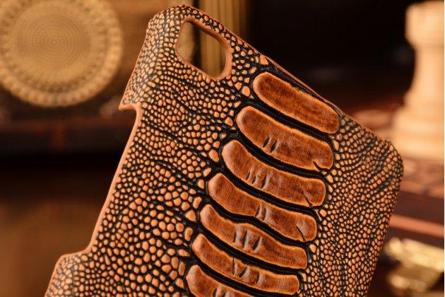 """Фирменная элегантная экзотическая задняя панель-крышка с фактурной отделкой натуральной кожи крокодила кофейного цвета для Huawei P8 5.2"""". Только в нашем магазине. Количество ограничено."""