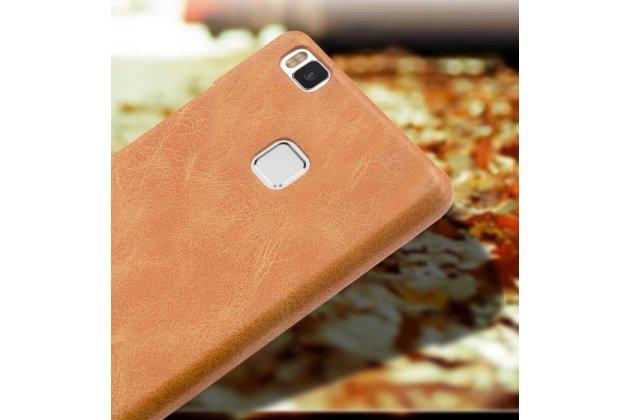"""Фирменная премиальная элитная крышка-накладка из тончайшего прочного пластика и качественной импортной кожи для Huawei P9 Lite / G9 / Dual Sim LTE (VNS-L21 / VNS-TL00/DL00) 5.2"""" """"Ретро под старину"""" коричневая"""