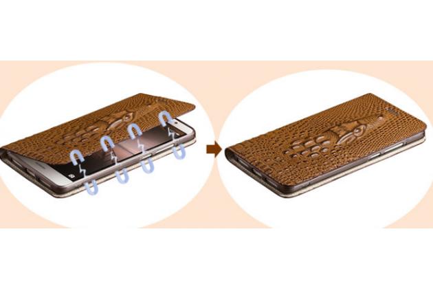 Фирменный роскошный эксклюзивный чехол с объёмным 3D изображением рельефа кожи крокодила коричневый для Huawei Honor 8 Lite / Huawei P8 Lite 2017 Edition. Только в нашем магазине