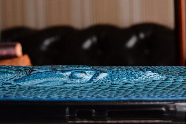 Фирменный роскошный эксклюзивный чехол с объёмным 3D изображением рельефа кожи крокодила синий для Huawei Honor 8 Lite / Huawei P8 Lite 2017 Edition. Только в нашем магазине