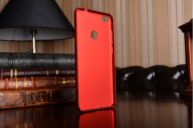 Фирменная задняя панель-крышка-накладка из тончайшего и прочного пластика для Huawei Honor 8 Lite / Huawei P8 Lite 2017 Edition  красная