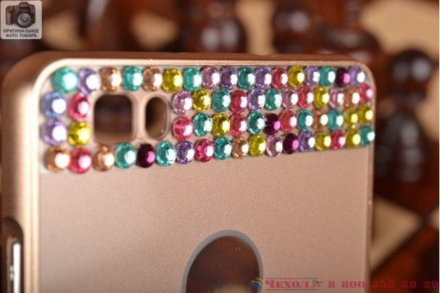 Фирменная металлическая задняя панель-крышка-накладка из облегченного авиационного алюминия украшенная стразами и кристалликами для Huawei P8 Lite золотая