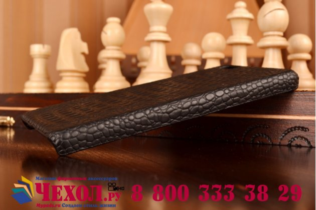 Элитная задняя панель-крышка премиум-класса из тончайшего и прочного пластика обтянутого кожей крокодила для Huawei P8 Lite брутальный черный