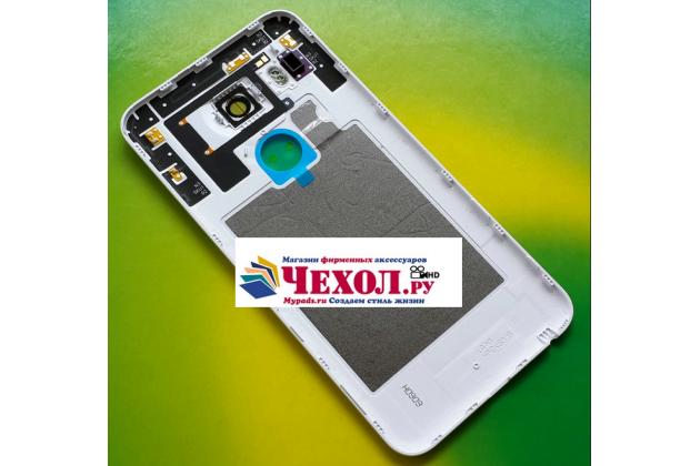 Родная оригинальная задняя крышка-панель которая шла в комплекте для LG Google Nexus 5X белая
