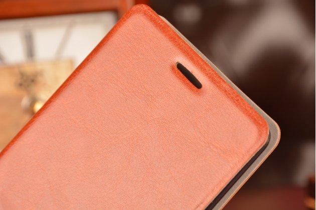 Фирменный чехол-книжка из качественной водоотталкивающей импортной кожи на жёсткой металлической основе для Lenovo Vibe Z1 K910 коричневый