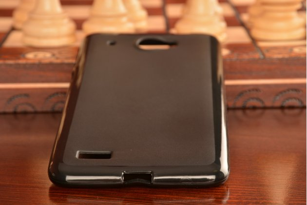 Фирменная ультра-тонкая полимерная из мягкого качественного силикона задняя панель-чехол-накладка для Lenovo S939 черная