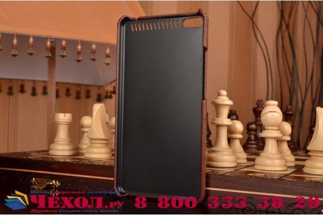 """Фирменная элегантная экзотическая задняя панель-крышка с фактурной отделкой натуральной кожи крокодила кофейного цвета для Lenovo Phab Plus PB1-770N/770M 6.8"""" ZA070019RU . Только в нашем магазине. Количество ограничено."""