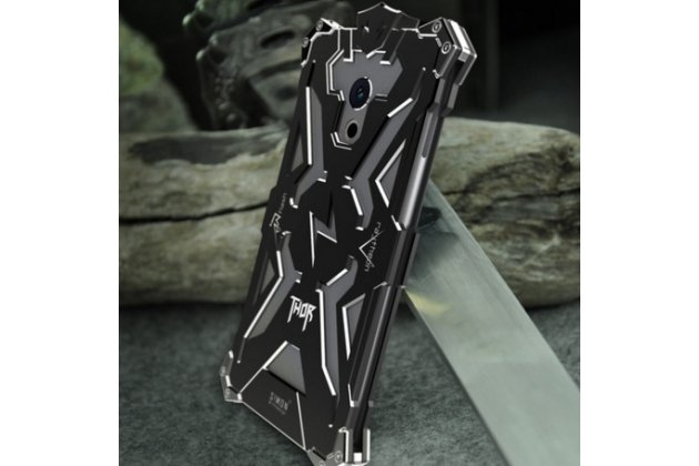 Противоударный металлический чехол-бампер из цельного куска металла с усиленной защитой углов и необычным экстремальным дизайном для Meizu Pro 6 черного цвета